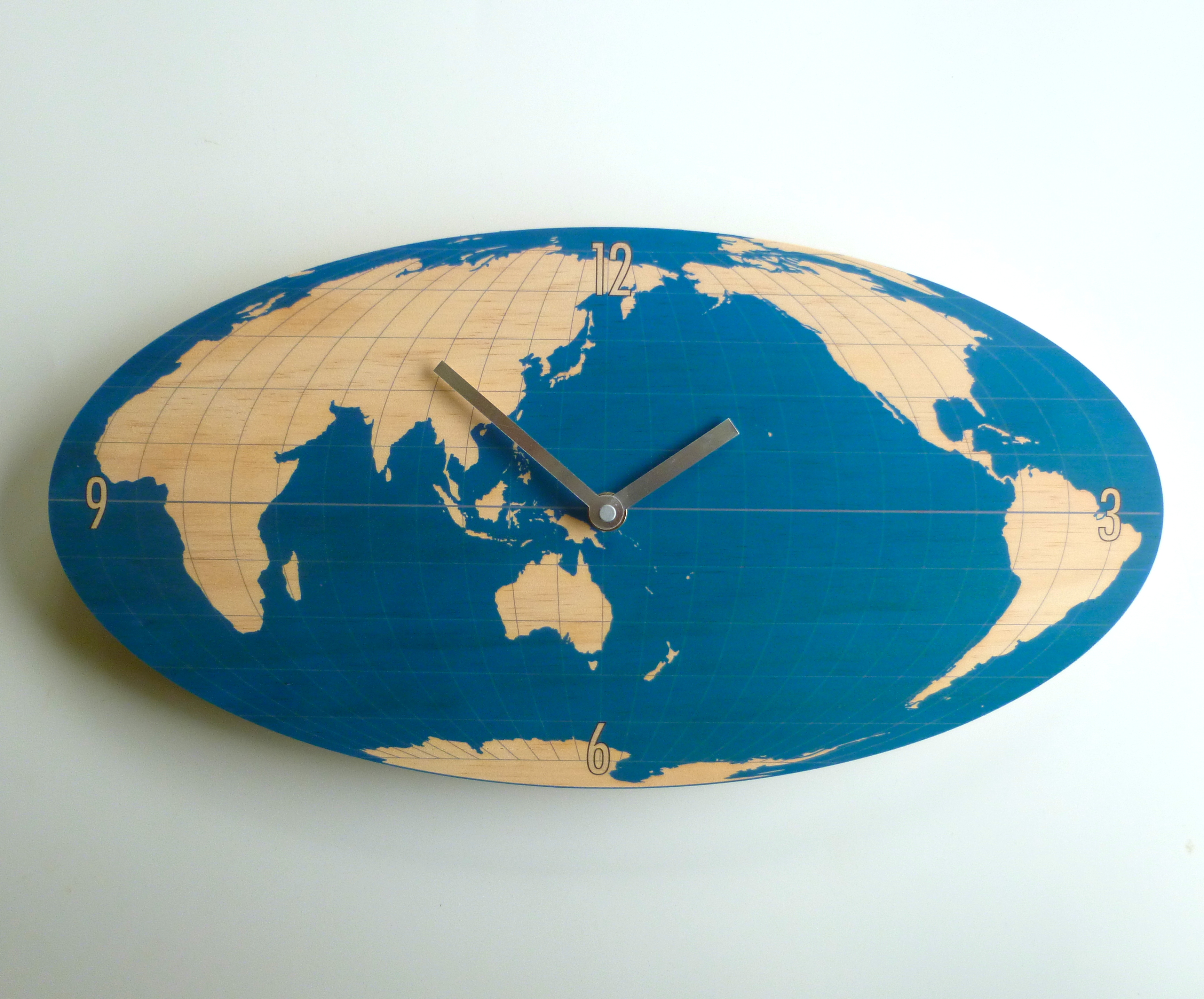 World map oval navy wall clock gumiabroncs Gallery